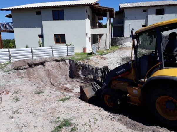 Escavação para construção de reservatório e casa de bombas_junho20
