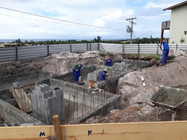 Execução paredes do reservatório/casa de bombas