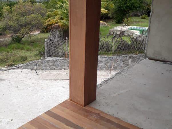 Revestimento de madeira do pila e deck da varanda_set20